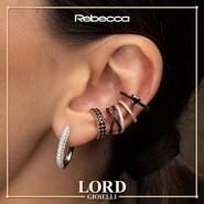😍 𝐈 𝐌𝐨𝐧𝐨 𝐎𝐫𝐞𝐜𝐜𝐡𝐢𝐧𝐢 𝐑𝐞𝐛𝐞𝐜𝐜𝐚, 𝐜𝐚𝐭𝐭𝐮𝐫𝐚𝐧𝐨 𝐥𝐨 𝐬𝐠𝐮𝐚𝐫𝐝𝐨 𝐞𝐝 𝐚𝐫𝐫𝐢𝐜𝐜𝐡𝐢𝐬𝐜𝐨𝐧𝐨 𝐢𝐥 𝐭𝐮𝐨 𝐋𝐨𝐨𝐤 𝐬𝐮𝐩𝐞𝐫 𝐅𝐚𝐬𝐡𝐢𝐨𝐧! . Scopri l'intera Collezione sullo shop Lord Gioielli. 👉 Link in bio . . . #lordgioielli #massafra #rebecca #rebeccagioielli #rebeccanecklaces #earcuff #earcuffslover #earcuffrebecca #instajewels #necklace #fashion #woman #girlpower #gioielleriaitaliana #fashionvictime #picoftheday #follow